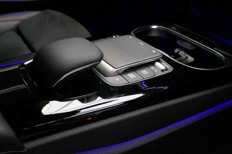 Mercedes-Benz CLA-Klasse 200 d /// AMG Edition 1 Nightpakket - Sfeer verlichting afbeelding 24