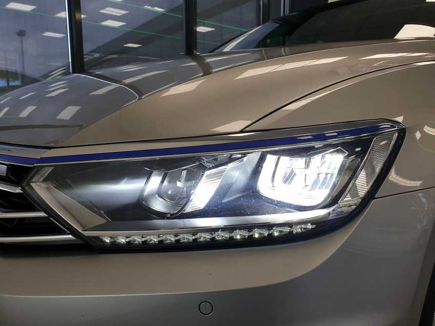 Volkswagen Passat 1.4 TSI GTE Highline EX BTW Navigatie Panoramadak LED PDC Clima Cruise 17`LM afbeelding 16