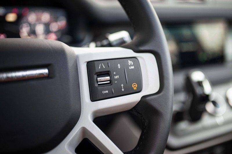 Land Rover Defender 110 2.0 D240 S 7p. *Meridian / Pano / DAB / LED / Elektr. Trekhaak / Standkachel* afbeelding 9