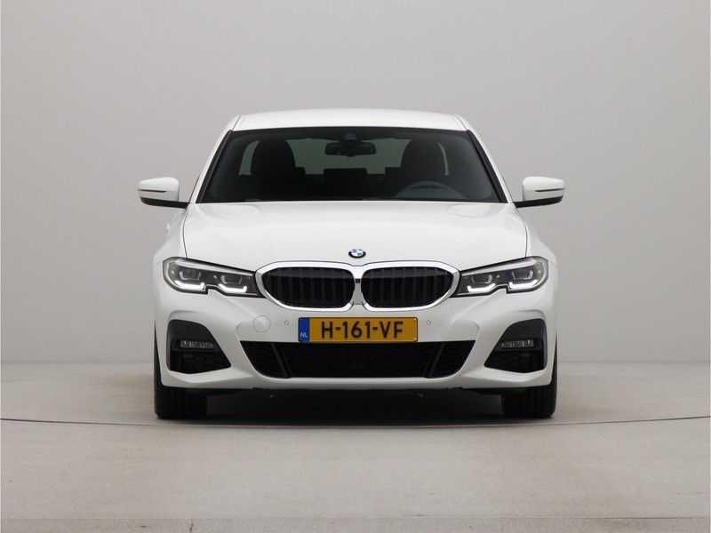 BMW 3 Serie Sedan 320i High Executive M-Sport Automaat afbeelding 4