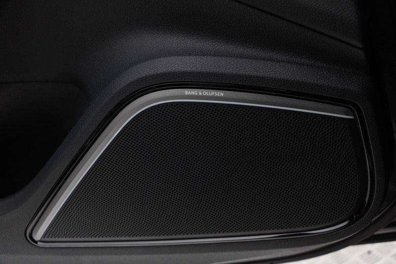 "Audi RS3 Sportback 2.5 TFSI 400pk Quattro Panoramadak BlackOptic B&O Sportstoelen Led-Matrix Navi/MMI DriveSelect Carbon ACC Keyless Camera 19"" Pdc afbeelding 16"