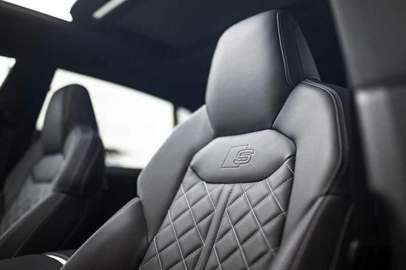 """Audi Q8 50 TDI Quattro *S-line / 23"""" / Panorama / Matrix-LED / Standkachel* afbeelding 19"""