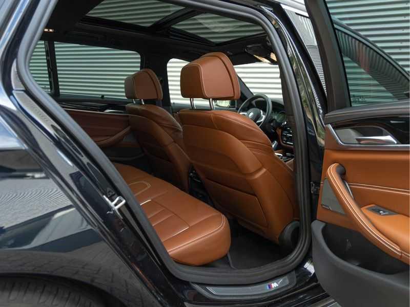 BMW 5 Serie Touring 530i xDrive M-Sport - Individual Leder - Trekhaak - Stoelventilatie afbeelding 12
