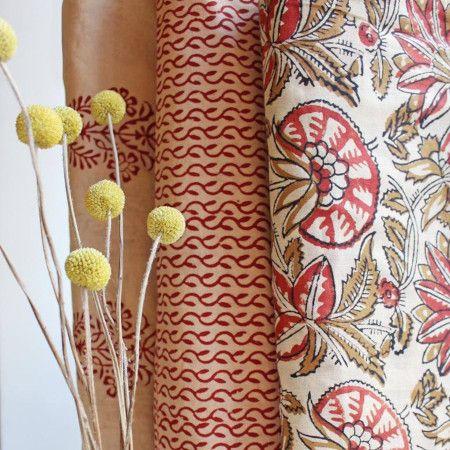 Trio de tissus à motifs colorés