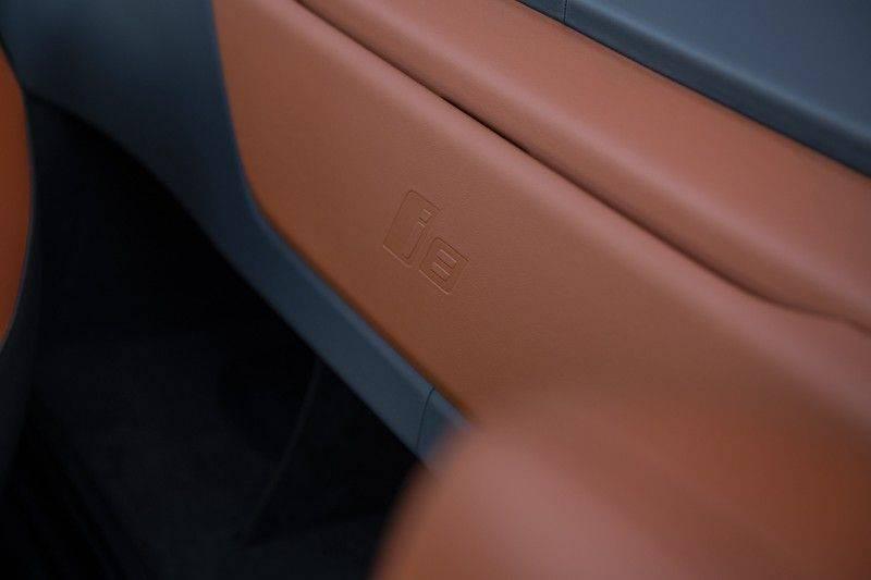 BMW i8 Roadster Dry Carbon, Carbon interieur afwerking, Accaro fijn nappa leder, Progressive package , Laser LED Koplampen afbeelding 16