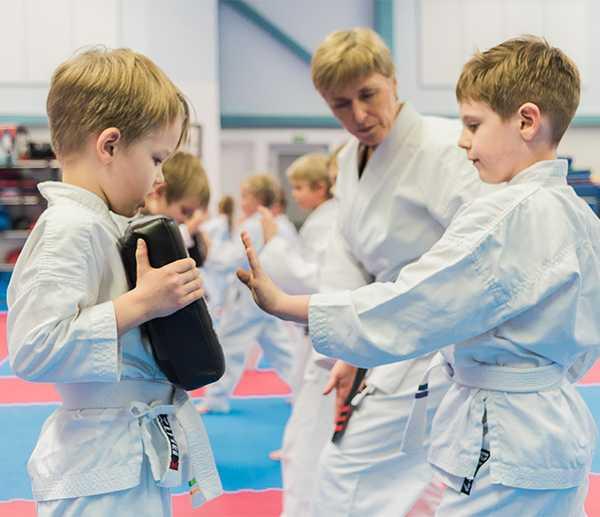 Karaten lisäksi peruskoordinaatioharjoitteita kannattaa lisätä muidenkin lajien lapsuus- ja nuoruusvaiheen harjoitteluun.