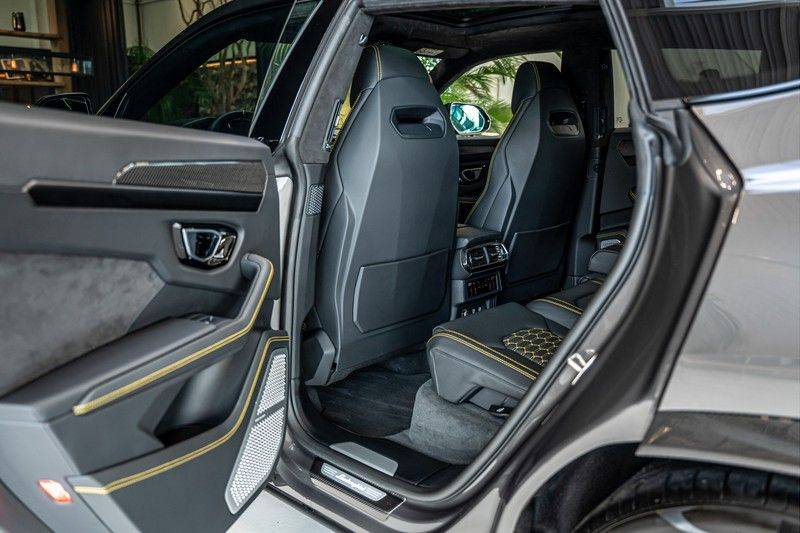 Lamborghini Urus 4.0 V8   Carbon interieur   Carbon exterieur   B&O 3D   Head-Up Display   Panorama   Massage   Ventilatie afbeelding 23