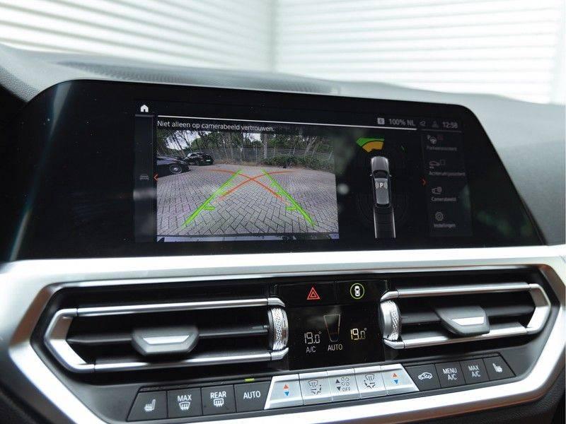 BMW 3 Serie Touring 330i M-Sport - Individual - Memoryzetel - Panorama - Trekhaak afbeelding 25