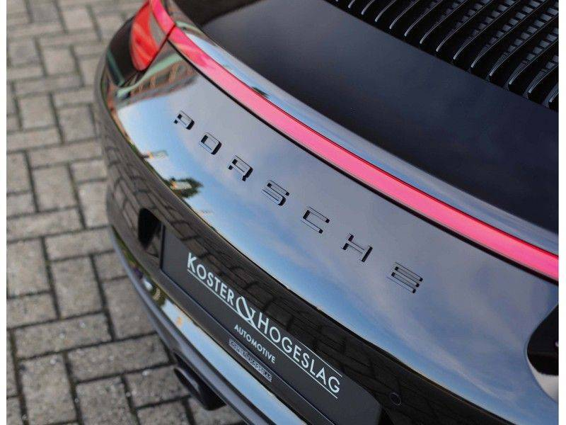 Porsche 911 Cabrio Carrera 4S *ACC*Bose*Chrono*Vierwielbesturing*Camera*Vol!* afbeelding 19