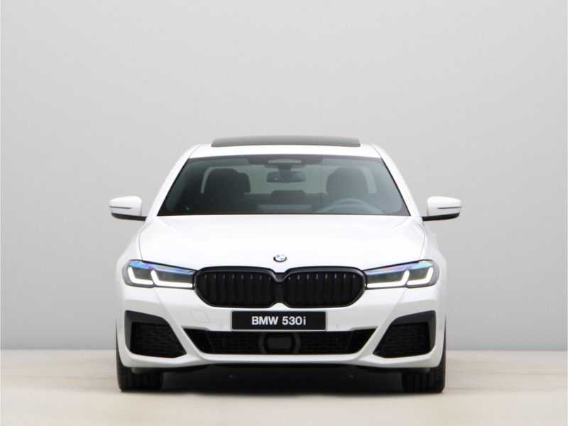 BMW 5 Serie 530i High Exe M-Sport LCI afbeelding 6
