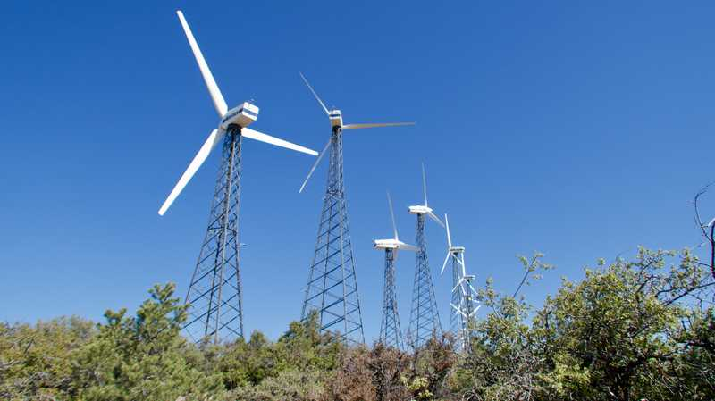 Wind mills pointing in many directions