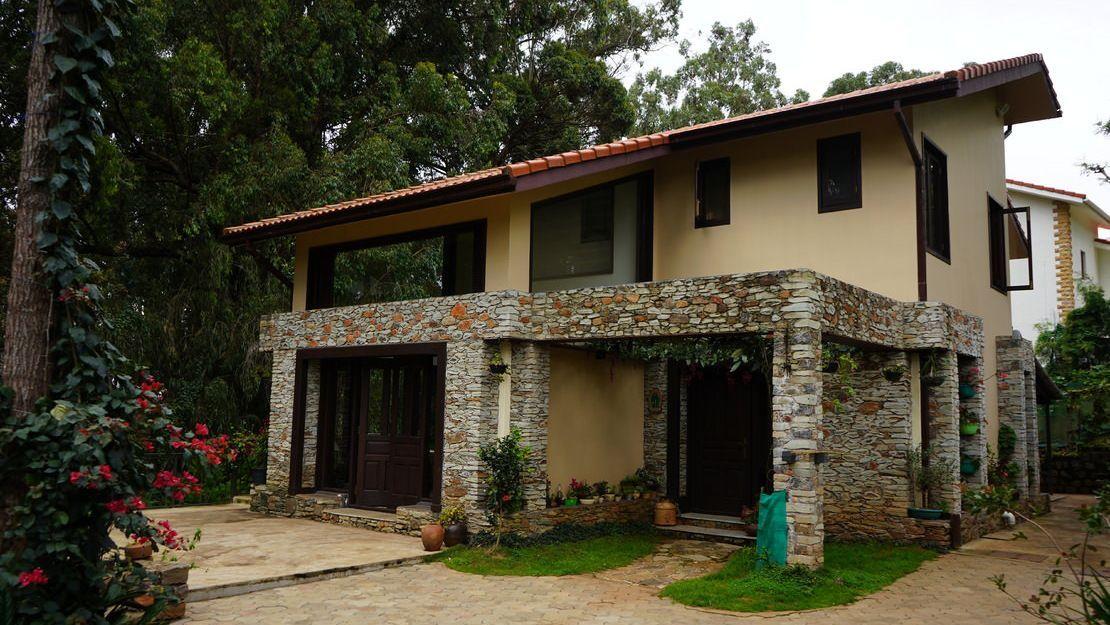 Gunina - House for Sale in Coonoor with gardens