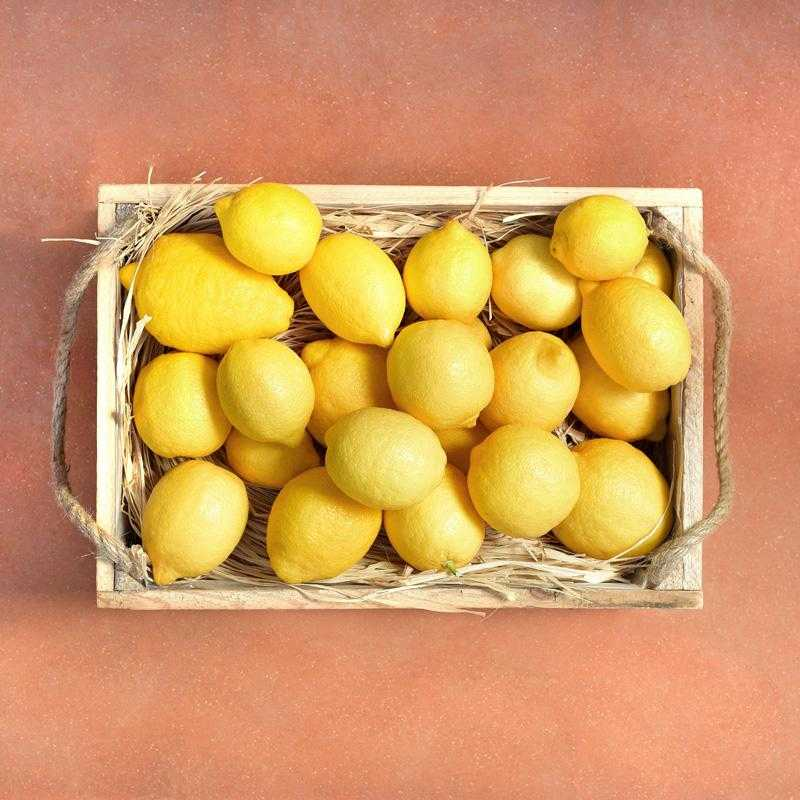Fruit box 4kg of fresh Greek lemons from Aigio