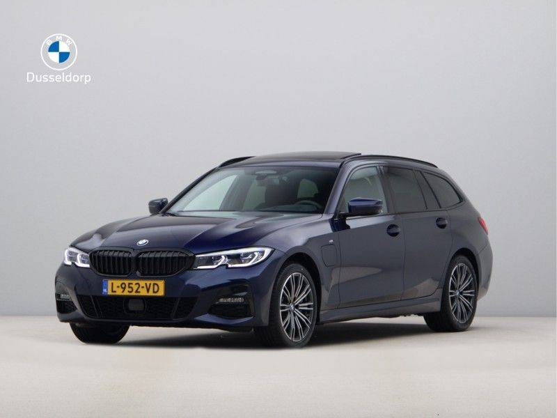 BMW 3 Serie Touring 330e xDrive High Executive M-Sport Automaat afbeelding 1