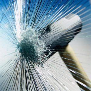 Glasreparatur bei Steinschlägen