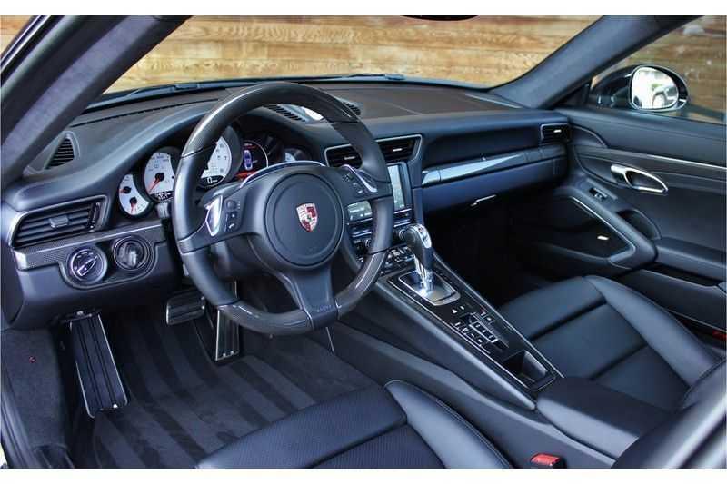 Porsche 911 3.8 Turbo 520pk PDK **E.dak/PCM/Carbon/Bose** afbeelding 5