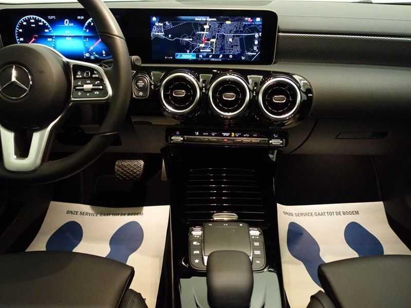 Mercedes-Benz CLA-Klasse AMG Night Edition Autom- Panodak, MBUX Widescreen, Leer, 2dkm! afbeelding 5