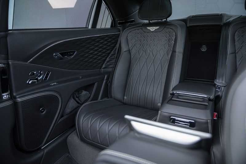 Bentley Flying Spur 6.0 W12 FIRST EDITION MY 2021 NAIM + Mulliner + Touring Spec + Head-Up + Bentley Rotating Display + Onyx Pearl / Beluga + Full Option + afbeelding 21