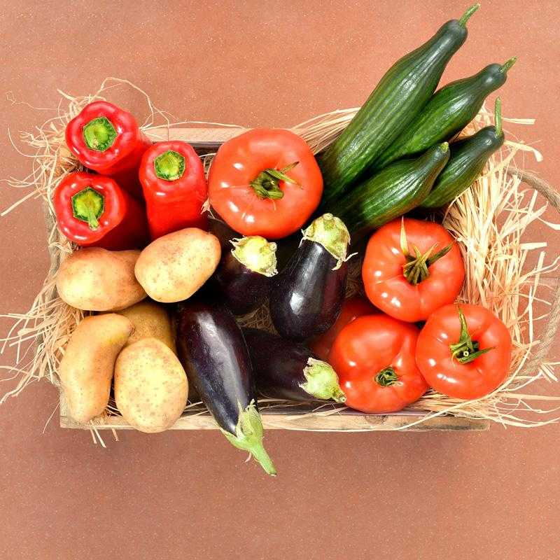 Veg box with 5 varieties of fresh Greek vegetables: 5kg