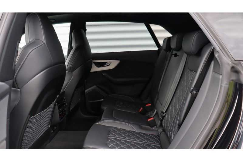 Audi Q8 55 TFSI quattro S-Line, Panoramadak, B&O, Massage, Ruitstiksel, Trekhaak afbeelding 25