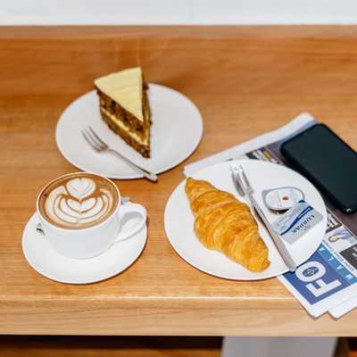 Wake yourself up with a delicious cup of coffee and buttery croissant from us! ☕️🥐  • • •  #whatsontapkl #plazamontkiara #montkiara #montkiaracafe #specialtycoffee #coffeetime #coffeeculture #baristadaily #coffeemovement #cafehopkl #cafekl #malaysiancafes #klcoffeespots #eatdrinkkl #timeoutkl #cafefolomemalaysia #butterycroissant #morningcoffee