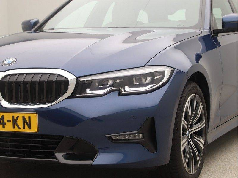 BMW 3 Serie Touring 318i Executive Edition Sport Line Automaat afbeelding 21