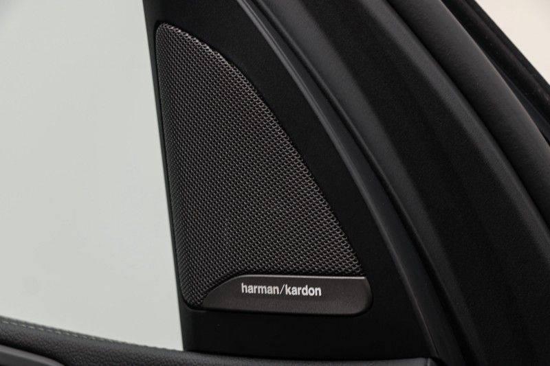 "BMW X5 M40i xDrive 340pk Panoramadak VirtualCockpit ShadowLine Sportleder+Memory Head-Up HarmanKardon Luchtvering Laserlicht AmbientLight Keyless Sportuitlaat 22"" 360Camera ParkAssist Pdc afbeelding 17"