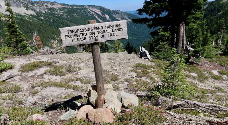 Tribal lands boundary sign