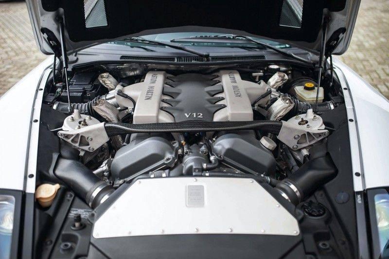 Aston Martin V12 Vanquish 5.9 *Absolute nieuwstaat!* afbeelding 24