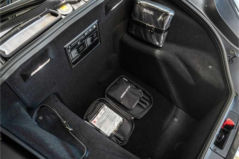 Ferrari 488 3.9 GTB HELE | Carbon | Passenger Display | Lifting | NP350.000,- afbeelding 15