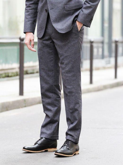 Costume homme gris foncé avec ourlet
