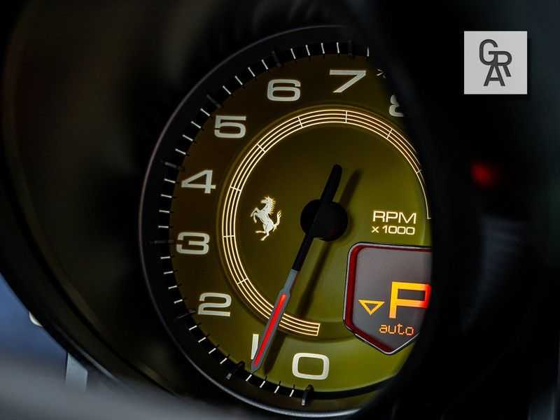 Ferrari 812 Superfast 6.5 V12 HELE   Daytona Carbon Seats   Lift   afbeelding 17