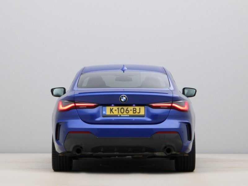 BMW 4 Serie Coupé 430i High Exe M-Sport Aut. afbeelding 9