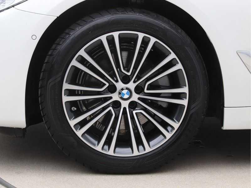 BMW 5 Serie 520d Luxury Line High Executive afbeelding 19