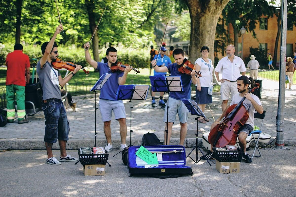 Quartet band playing in Retiro Park