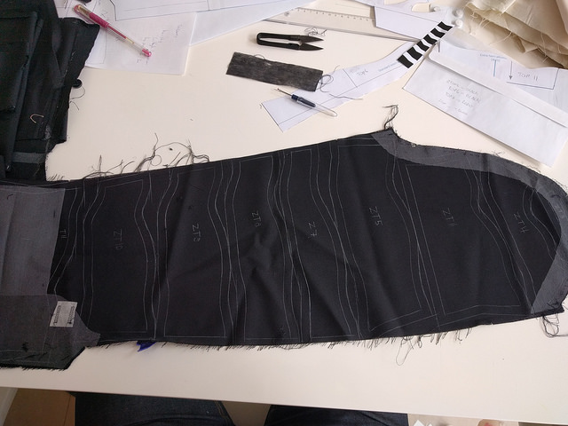 Cutting new sleeve parts out of the old sleeve