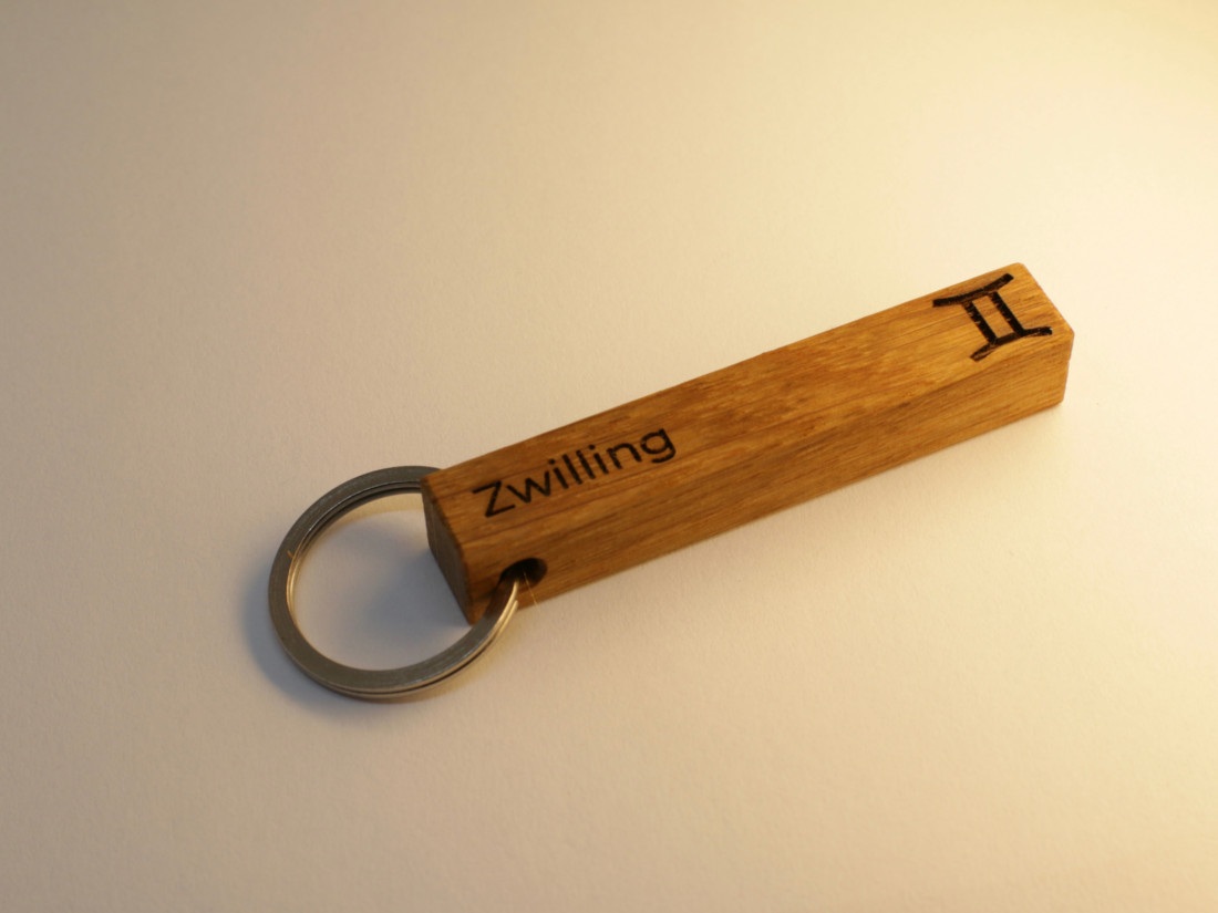 Schlüsselanhänger mit Sternzeichen Zwilling als persönliches Geschenk.