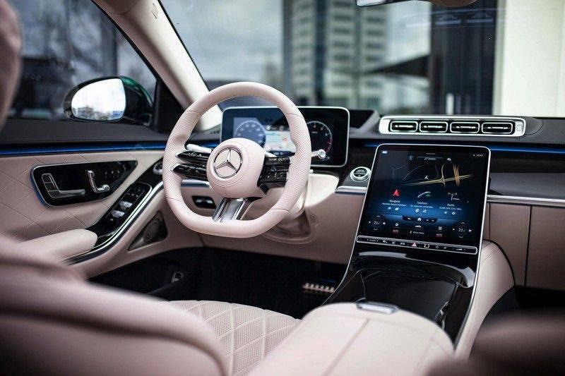 "Mercedes-Benz S-Klasse 500 4Matic Lang AMG NP €193.000 *Pano / 3D Burmester / HUD / Distronic / 21"" / 3D Display* afbeelding 4"