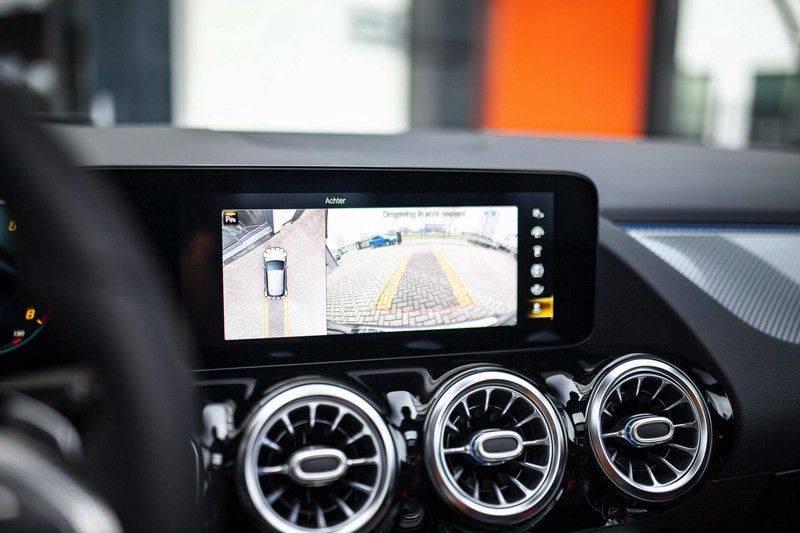 Mercedes-Benz GLA 200 AMG Line *Pano / HUD / Memorystoelen / 360 Cam / Burmester* afbeelding 11
