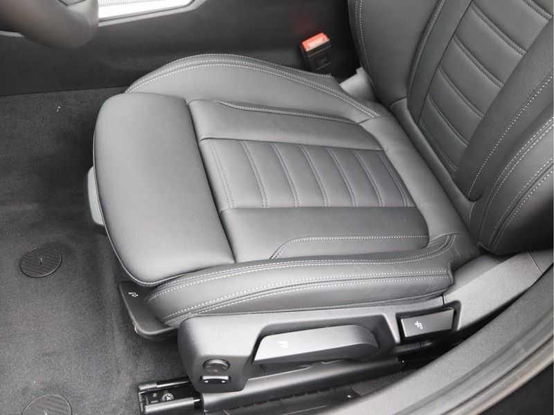 BMW 3 Serie 320e High Exe M-Sport Hybrid afbeelding 21
