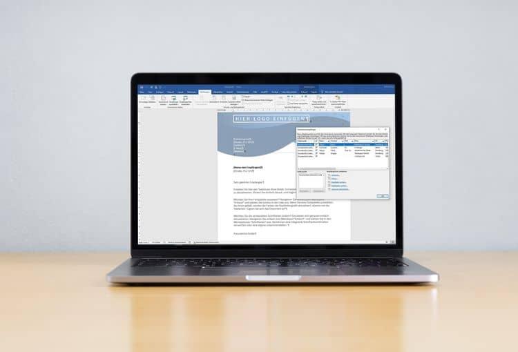 Laptop mit Word-Serienbrief