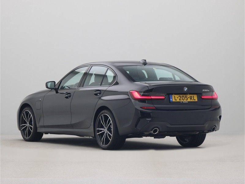 BMW 3 Serie Sedan 330e High Executive M-Sport Automaat afbeelding 11