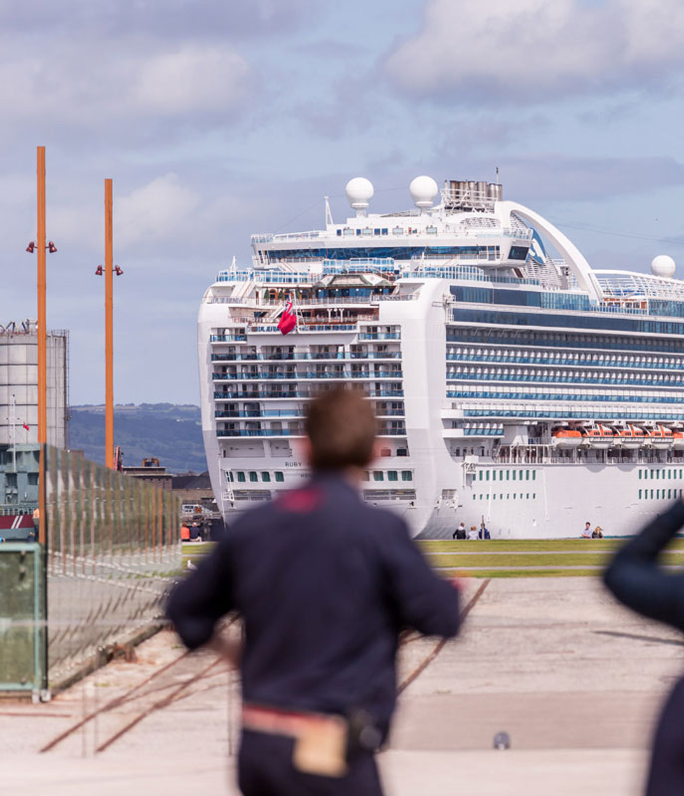 Luxury cruise excursions from Belfast Docks with Chauffeur Me.