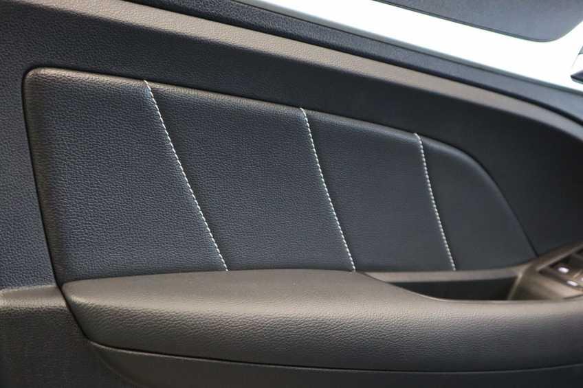 MG ZS EV Luxury 8% Bijtelling Leder Panoramadak Navigatie Cruise LM afbeelding 13