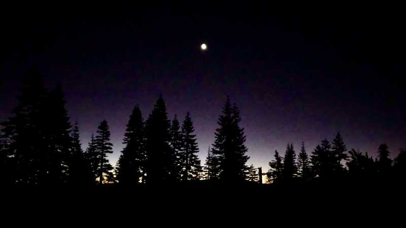 Dawn on the PCT