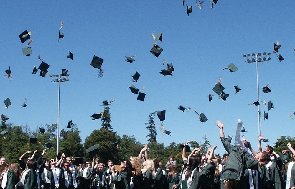 Listen up seniors, these Great Recession grads have advice for you