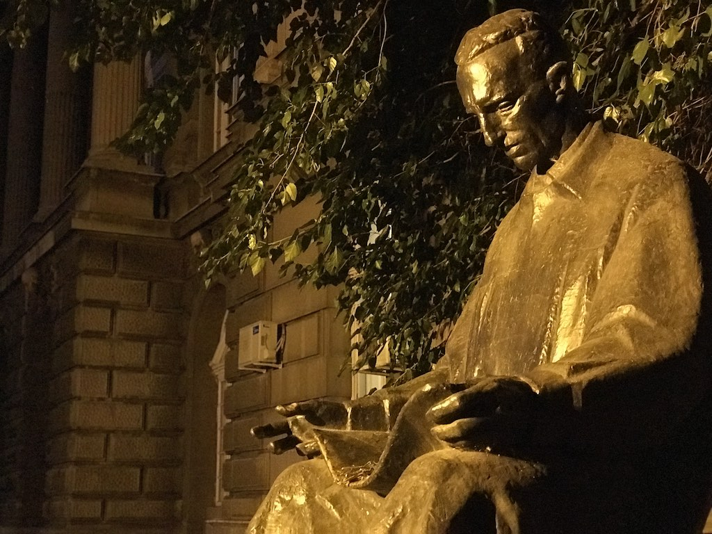 Nikola Tesla in front of the Faculty of Electrical Engineering