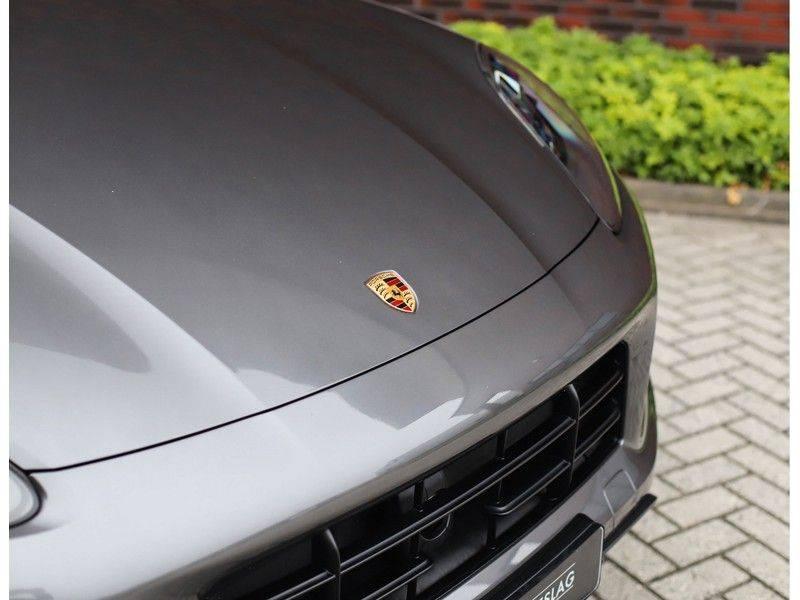 Porsche Cayenne Coupé 3.0 E-Hybrid *Sport Design*Pano*Soft-Close* afbeelding 21