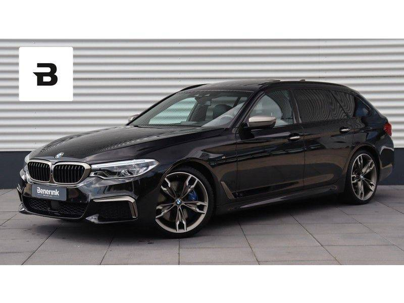 BMW 5 Serie Touring M550d xDrive High Executive Bowers & Wilkins, Head-Up Display, Soft-Close, Stoelventilatie afbeelding 1