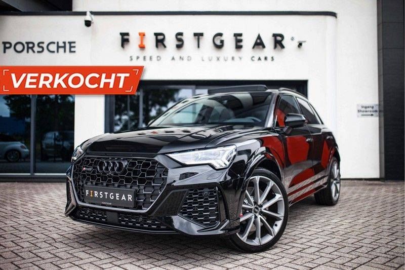 Audi RS Q3 2.5 TFSI Quattro *B&O / Pano / ACC / RS Sportstoelen / Sportuitlaat / Trekhaak* afbeelding 1